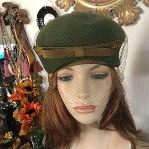 Vintage Green Wool Hat w Netting
